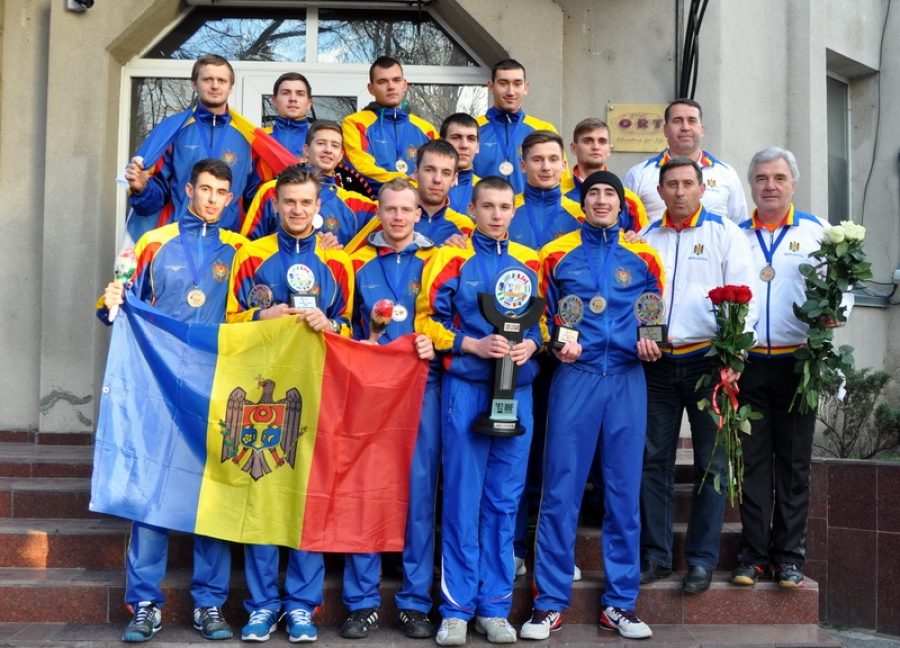 SUCCES ISTORIC AL HANDBALULUI MOLDOVENESC