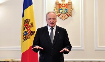 Nicolae Timofti a înmînat drapelul de stat echipei olimpice care ne va reprezenta la Baku