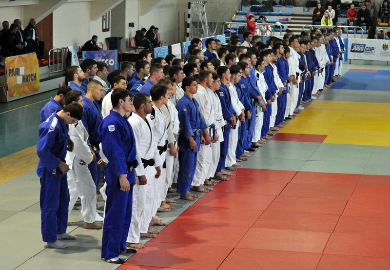 De pe podiumul campionatului național – pe masa de operație