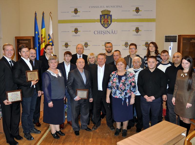 Sportivii olimpici, felicitaţi la Primăria din Chişinău