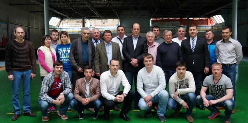 Federaţia de Handbal- schimb de experienţă şi jocuri decisive