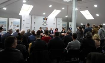 """Lansarea ediției bilingve a albumului """"25 de ani ai Comitetului Național Olimpic și Sportiv din Republica Moldova"""""""