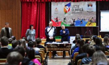 Campionii și medaliații olimpici în vizită la elevi