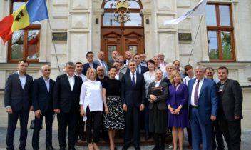 Familia regală impresionată de olimpicii Moldovei