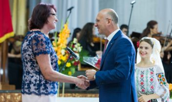 Premiul Național în domeniul sportului i-a fost decernat campioanei olimpice Larisa Popova