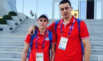 "Zavatin și Galogoț au urcat pe podium la turneul ""Golden Gloves"""